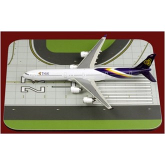 1st Choice Airliner Display Mat Runway Large 1/400 Scale FC4ADM001