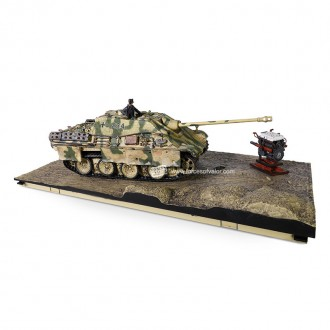 Forces of Valor German Tank Destroyer SD.KFZ.173 Jagdpanther Ausf.G1 with Zimmerit Normandy August 1944 1/32 Scale 801007A