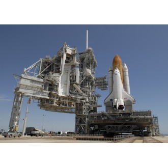 Dragon Wings Space Collection Shuttle Endeavour with Crawler Transporter 1/400 Scale 56393