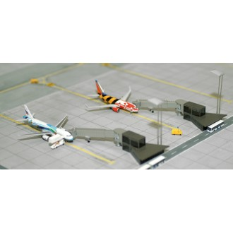 Herpa Wings Scenix Airport Building Apron Boarding Stations x 2 1/500 Scale 520553