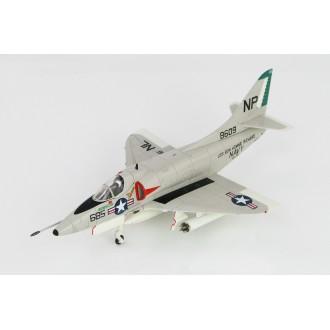 Hobby Master Douglas A-4C Skyhawk MIG-17 Killer BuNo 148609 VA-76 USS Bon Homme Richard 1st May 1967 1/72 Scale HA1427